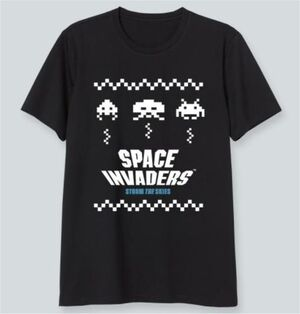 SPACE INVADERS CAMISETA NEGRA STORM THE SKIES L