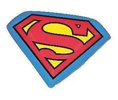 SUPERMAN SIMBOLO COJIN 30 CM