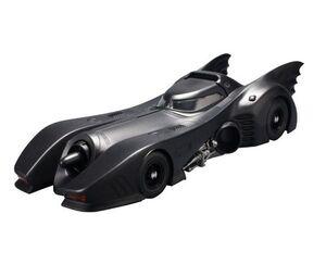BATMOBILE MODEL KIT 1/35 SCALE BATMAN VER DC COMICS