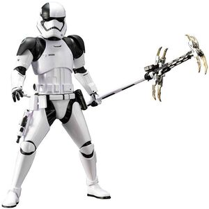 STAR WARS EP VIII ESTATUA 27 CM 1/10 FIRST ORDER STORMTROOPER ARTFX