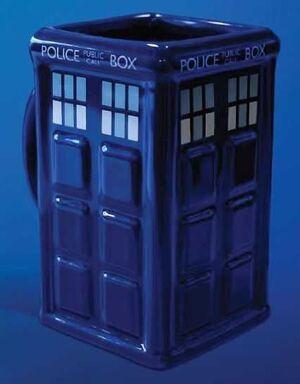 DOCTOR WHO TAZA 3D TARDIS
