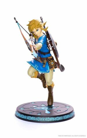THE LEGEND OF ZELDA BREATH OF THE WILD  ESTATUA PVC 25 CM LINK