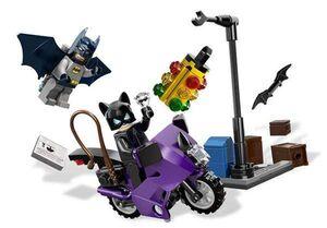 LEGO SUPER HEROES PERSECUCION EN MOTO DE CATWOMAN