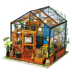 DIY MINIATURE HOUSE KATHY'S GREEN HOUSE