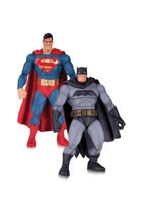SUPERMAN Y BATMAN PACK FIGURAS 17 CM THE DARK KNIGHT RETURNS 30 ANIVERSARIO