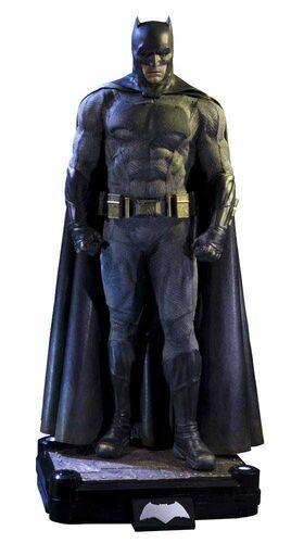 BATMAN VS SUPERMAN ESTATUA 1/2 BATMAN 109CM